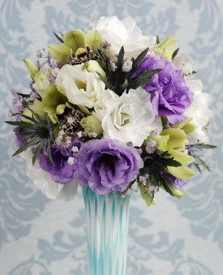 1805e1a5b057 Lisianthus. Il est ressorti du test que le produit conservateur pour fleurs  ...