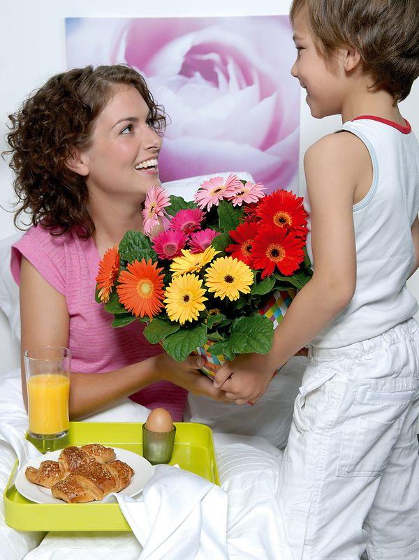 quel cadeau offrir pour la f te des m res le pouvoir des fleurs. Black Bedroom Furniture Sets. Home Design Ideas