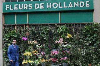 Colin devant Fleurs de Hollande LR