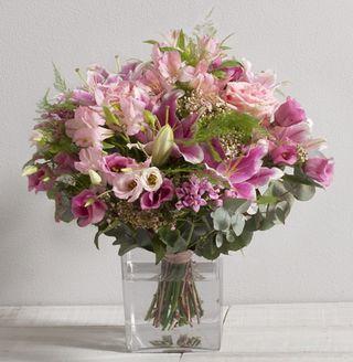 5 beaux bouquets propos s par interflora pour la f te des m res le pouvoir des fleurs. Black Bedroom Furniture Sets. Home Design Ideas