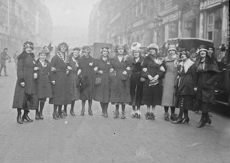 Catherinettes-Paris- 1909 BNF Gallca