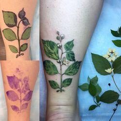 Tatouages-feuilles-plantes-1